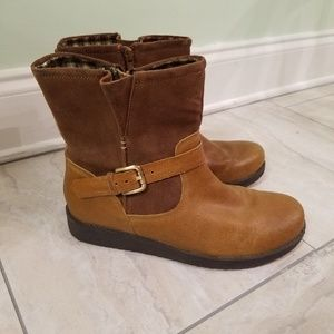 Women's size 8 Sole Diva brown boots